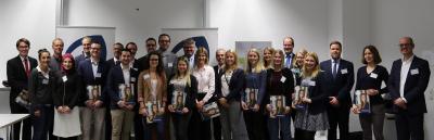 Foto/Hochschule Worms: Stipendiatinnen und Stipendiaten und Förderer bei der Vergabefeier des Deutschlandstipendiums 2017