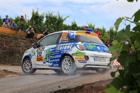 Finne im Weinberg: Der Sieger des ADAC Opel Rallye Cups 2016 Jari Huttonen lässt es krachen