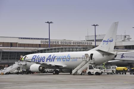 Mit Beginn des Sommerflugplans 2008 hat Blue Air den Flugbetrieb von und nach Berlin aufgenommen. Seit 31. März geht es dreimal wöchentlich von Berlin-Schönefeld nach Bukarest