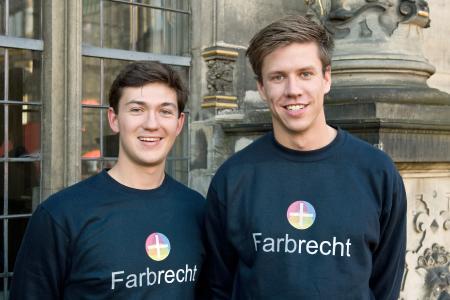 Sebastian Haase (links im Bild) und Fabian Duske machen den 3D-Farbdruck für kleinere Unternehmen und Privatpersonen erschwinglich