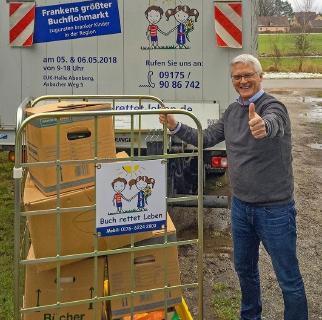 "hl-studios unterstützt das Spendenprojekt ""Buch rettet Leben"" / Foto: hl-studios, Erlangen"