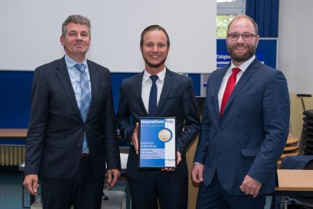 Mit dem Innovationspreis der Assekuranz 2017 für ihren Kundennutzen ausgezeichnet: Die private Autoinhaltsversicherung der Ammerländer Versicherung.