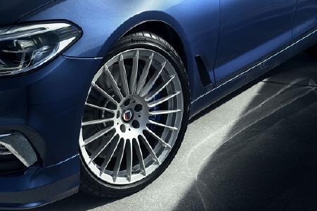 Die eigens für ALPINA maßgefertigte Variante des Pirelli P Zero an der neuen BMW ALPINA B5 Bi-Turbo Limousine