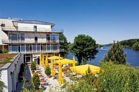 Das avendi Hotel am Griebnitzsee im wunderschönen Potsdam-Babelsberg besticht zudem mit der herrlichen Lage am See – ein besonderes Plus zu Ostern! Foto: vision photos