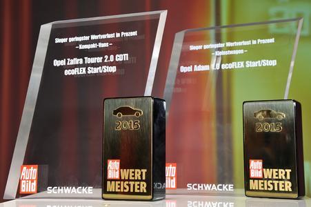 """Zwei erste Plätze: Der Opel ADAM und der Zafira Tourer siegen in ihren Klassen und sind """"Wertmeister 2015"""" . Foto Adam Opel AG"""