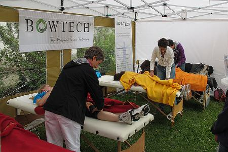 Bowtech wird in Deutschland bei Sportlern erfolgreich angewandt. Vor und nach Wettkämpfen hilft es zur Entspannung und Regeneration, bei Sportverletzungen unterstützt es den Heilungsprozess.  (Bildnachweis: BOWTECH Deutschland e. V.)