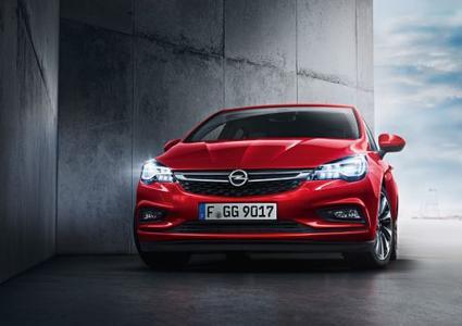"""Erster Preis für den Neuen: Der Opel Astra gewinnt mit seinem adaptiven IntelliLux LED® Matrix-Licht die Auszeichnung """"SAFETYBEST 2015"""""""